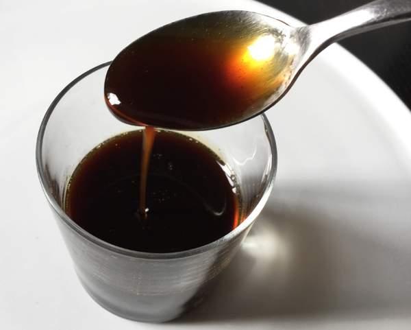 Sciroppo bruno (kuromitsu)