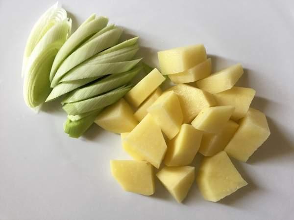 zuppa di miso con porri e patate