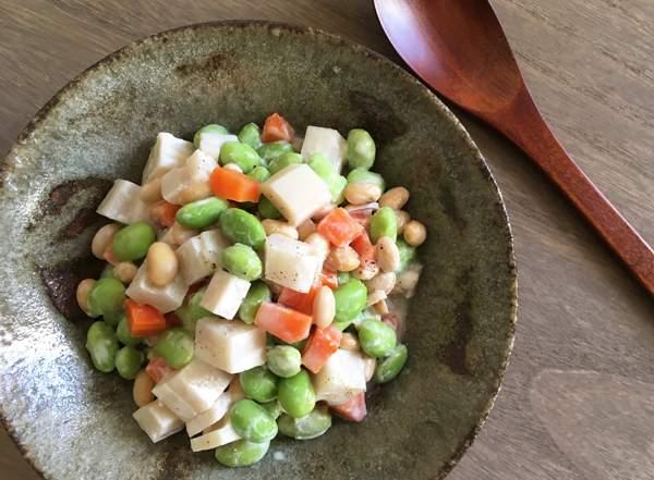 insalata di legumi e radice di loto