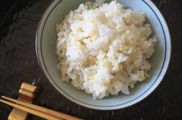 riso bollito con miglio kibigohan