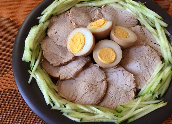 maiale lesso marinato alla salsa di soia