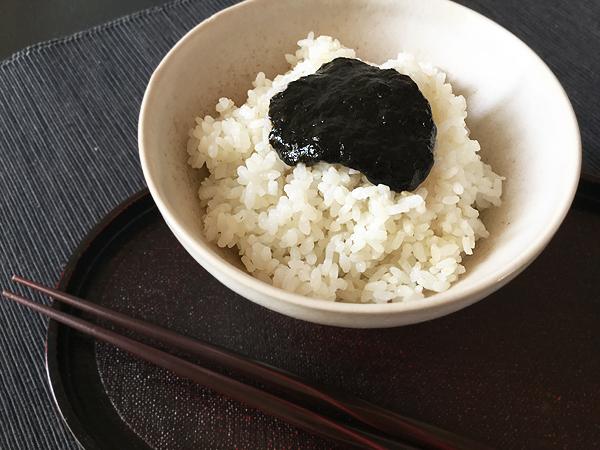 Tsukudani di nori con riso bianco