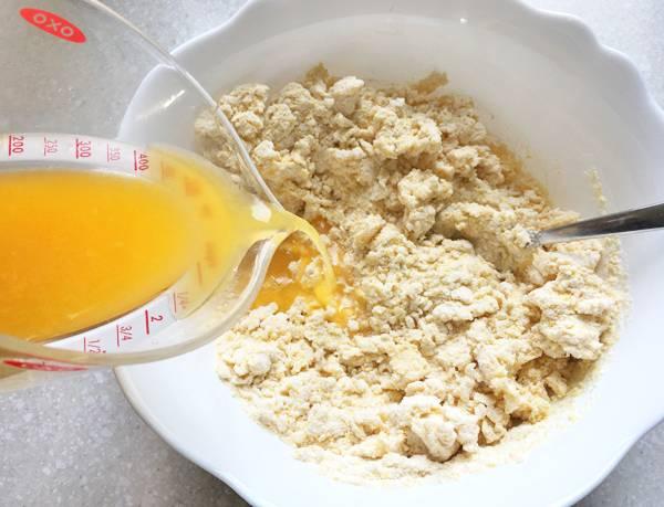 Torta con polenta e riso all'arancia