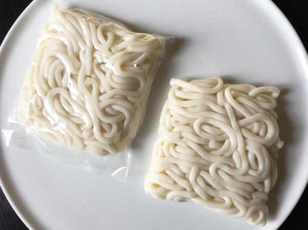 Spaghetti di udon precotti
