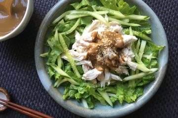 insalata di pollo alla salsa di sesamo (ban ban ji)