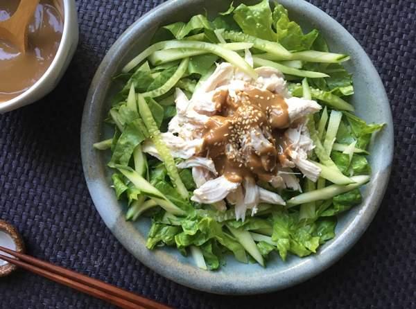 insalata di pollo alla salsa di sesamo