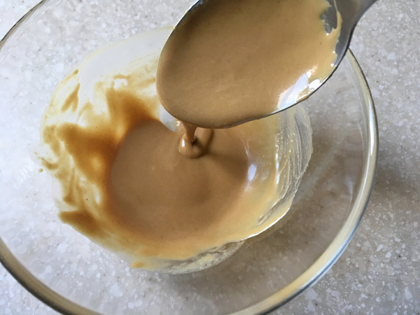 Insalata di cavolo nero alla salsa di sesamo
