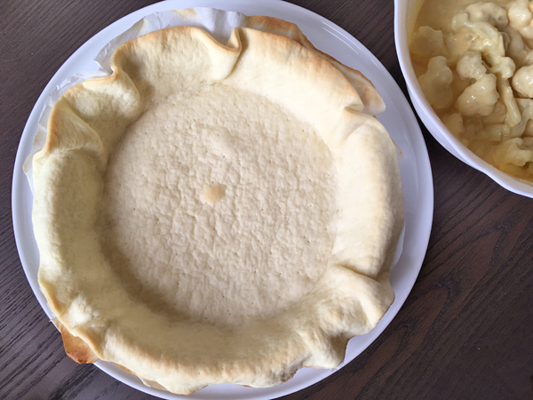Torta salata con cavolfiore e formaggio al miso