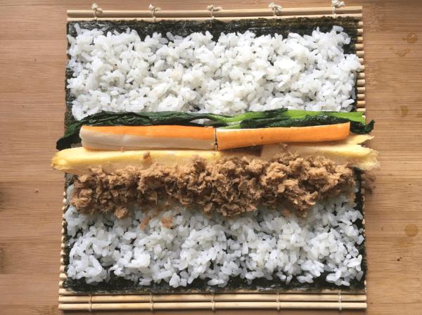come fare il rotolino di sushi