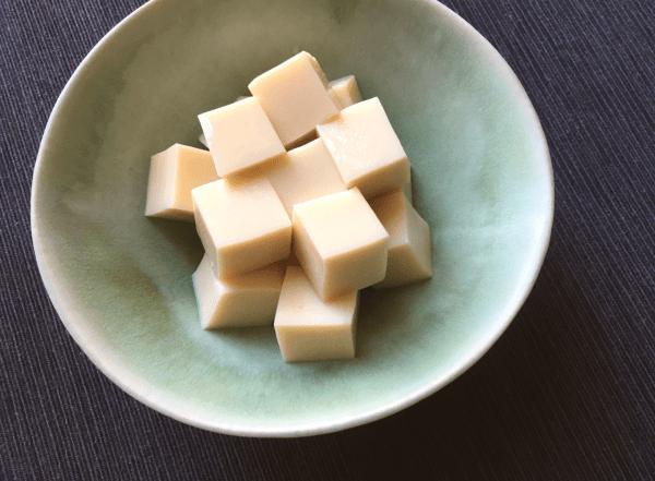 tofu di ceci tagliati a cubetti