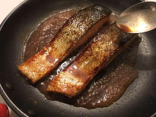 salmone alla salsa teriyaki