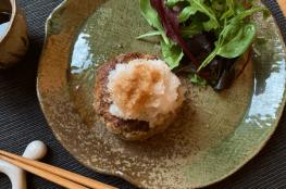hamburger con daikon grattugiato alla salsa ponzu